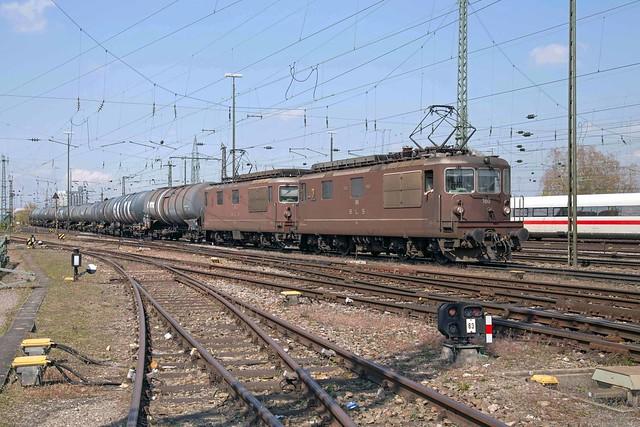 BLS Re 4/4 425 180 + 425 175 Basel Badischer Bahnhof
