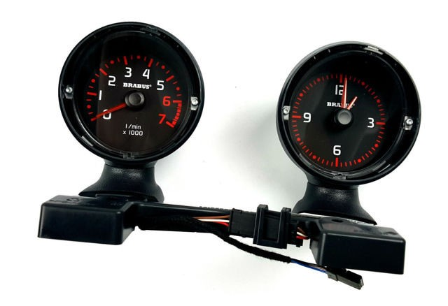 Smart Fortwo 451 dash pods rev. count and clock in Brabus design