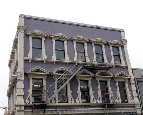 dunedin newzealand windows 011798 rx100m6 fenster gebäude building buildingstructure buildingcomplex architecture architektur outdoor outside windowwednesdays wednesdaywalls