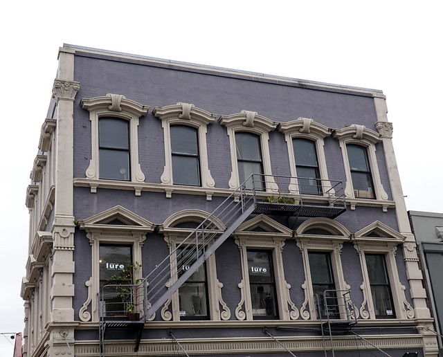 The lure of a decorative façade