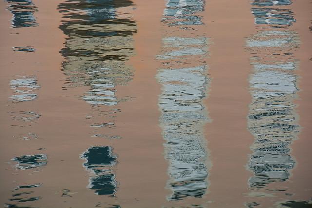 Reflets d'un immeuble _2875
