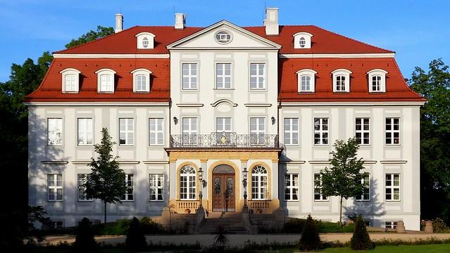 - Schloss Güldengossa -