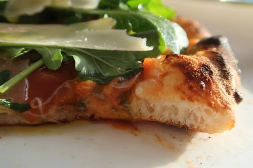 Pizza Parma (angeschnitten)