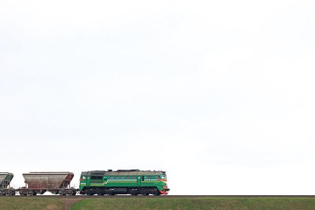 Тепловоз М62-1720 с грузовым поездом на перегоне Луполово/Могилёв-3.