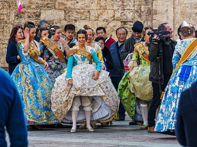 All Dressed Up (Filming The Ladies on  Plaza de Virgin - Valencia) (Olympus OM-D EM5.2 & M.Zuiko 12-100mm f4 Pro Zoom)