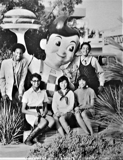 Bob's Big Boy students from Crenshaw High School 1971 Los Angeles, CA