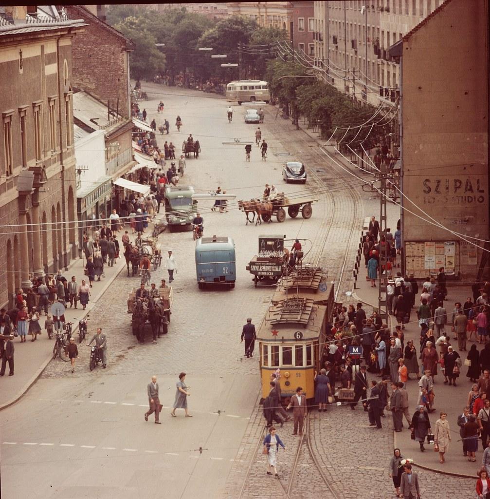 27. Уличная сцена в Дебрецене, недалеко от центра города