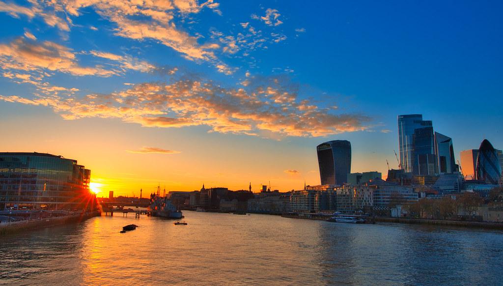 Sunset at Thames
