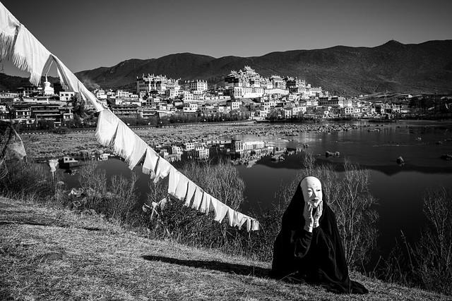 Masked Presence At Sumtseling Monastery (Shangri-La, China. Gustavo Thomas © 2021)