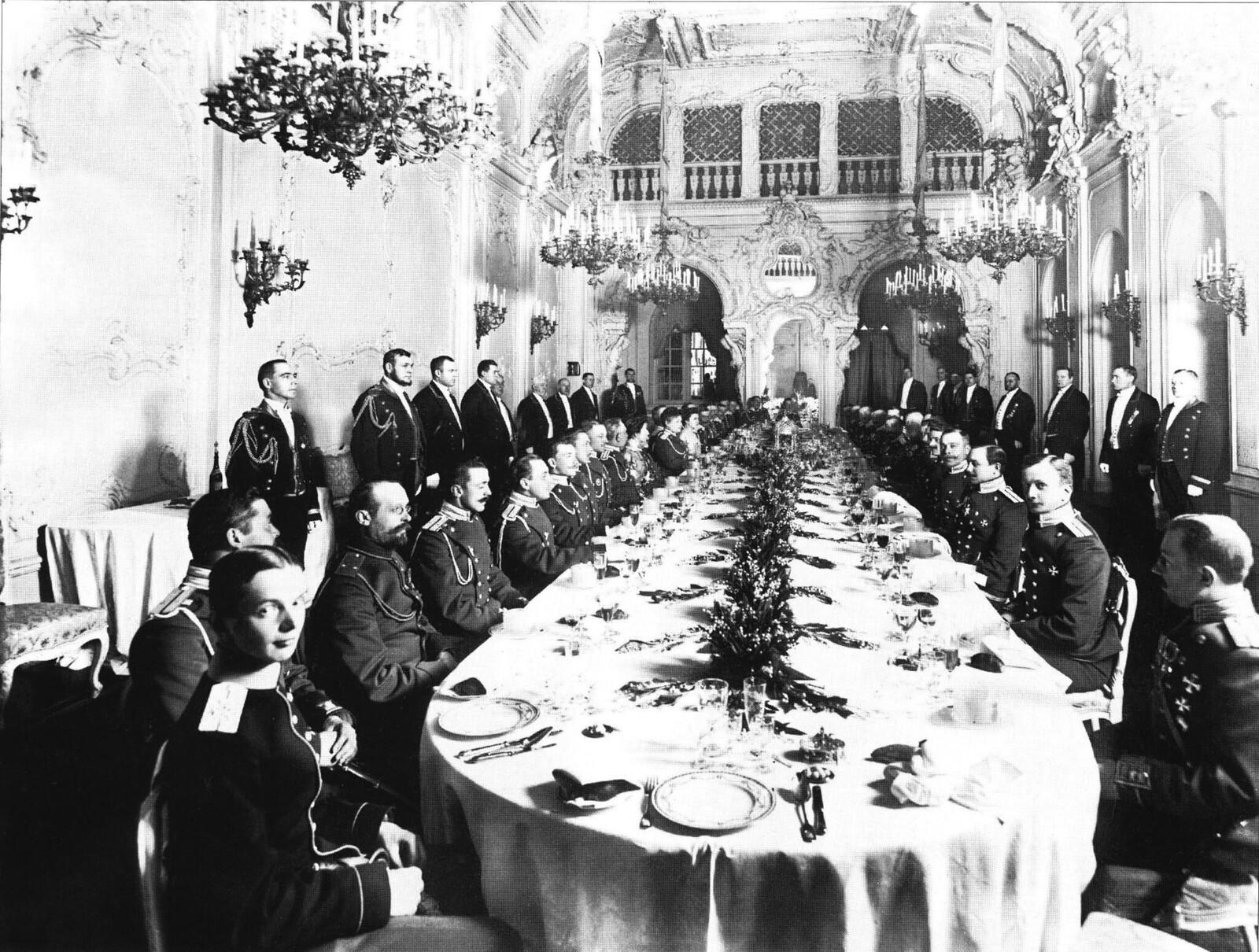 1912. Банкет офицеров лейб-гвардии Драгунского полка во дворце великой княгини Марии Павловны