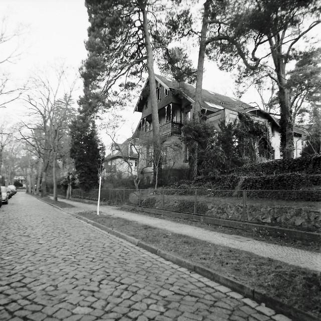 Hier wohnte Oberst Claus Schenk von Stauffenberg 1943-1944 in Berlin Wannsee