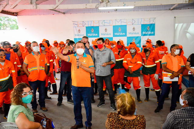 22.04.21 - Prefeitura anuncia base de limpeza pública e entrega lancha fúnebre na Zona Leste