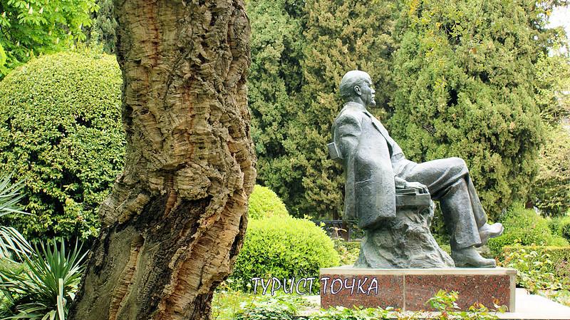 Памятник Ленину в Гурзуфе