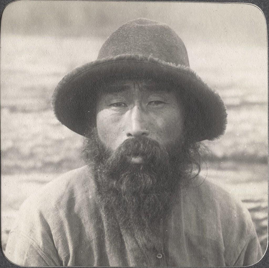 Кореец.