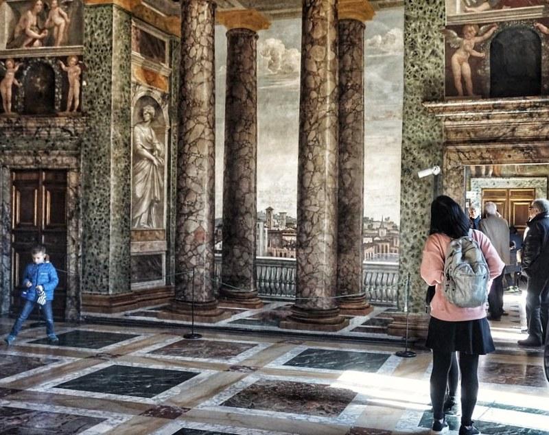 Villa Farnesina, perspektiivihuone