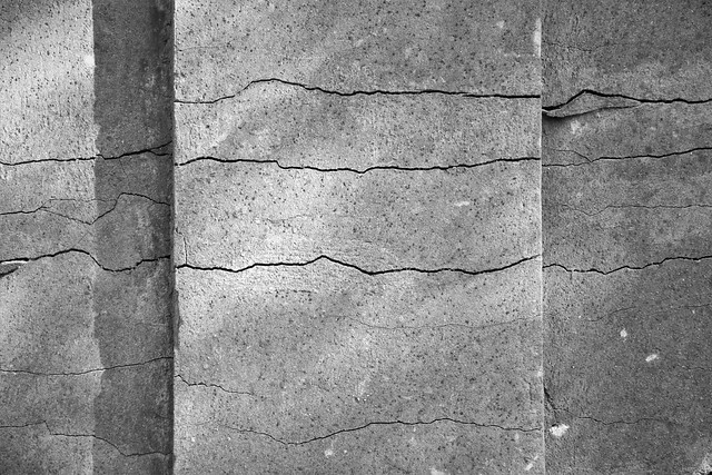 broken in thin lines