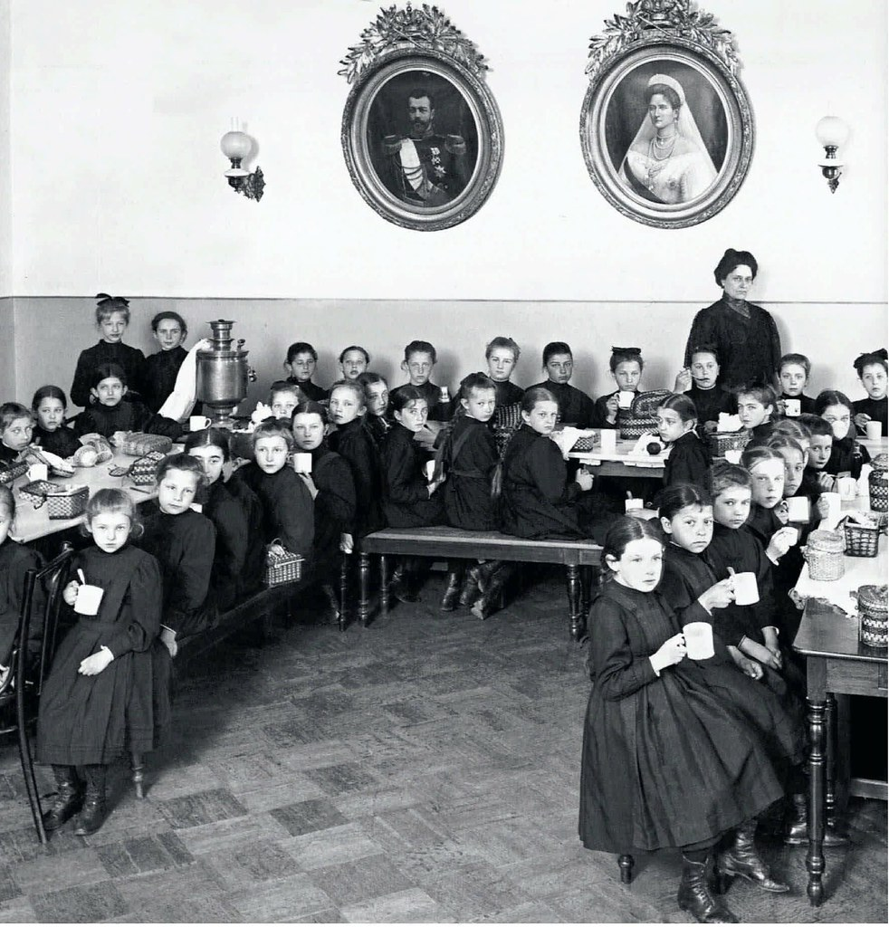 1900-е. Ученицы Мариинской женской гимназии в Царском Селе