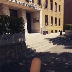 :sunrise_over_mountains: #Buongiorno Sapienza con una foto dell'Edificio di Igiene di @erica_riefoli ・・・  #Goodmorning from the Hygiene Building ・・・ #Repost: «Forse ma molto forse sono in vacanza» ・・・ #repostSapienza #ImmaginiDallaSapienza di #studentiSap