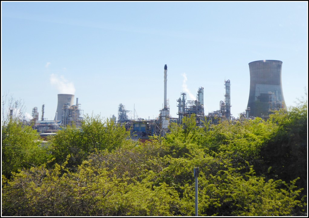 Saltend Chemical Works ..