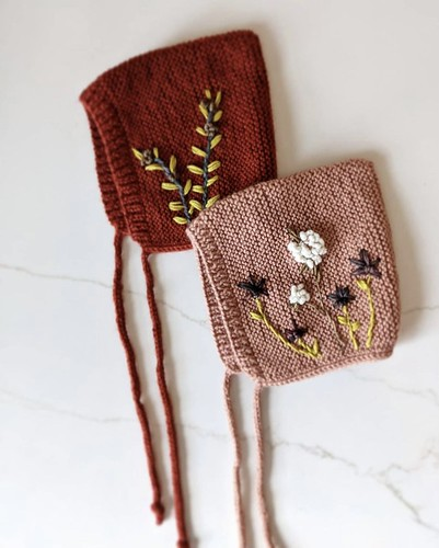 Veronica (@xovee.knits) decided to try something new! She added embroidery to some of bonnets that she knits!
