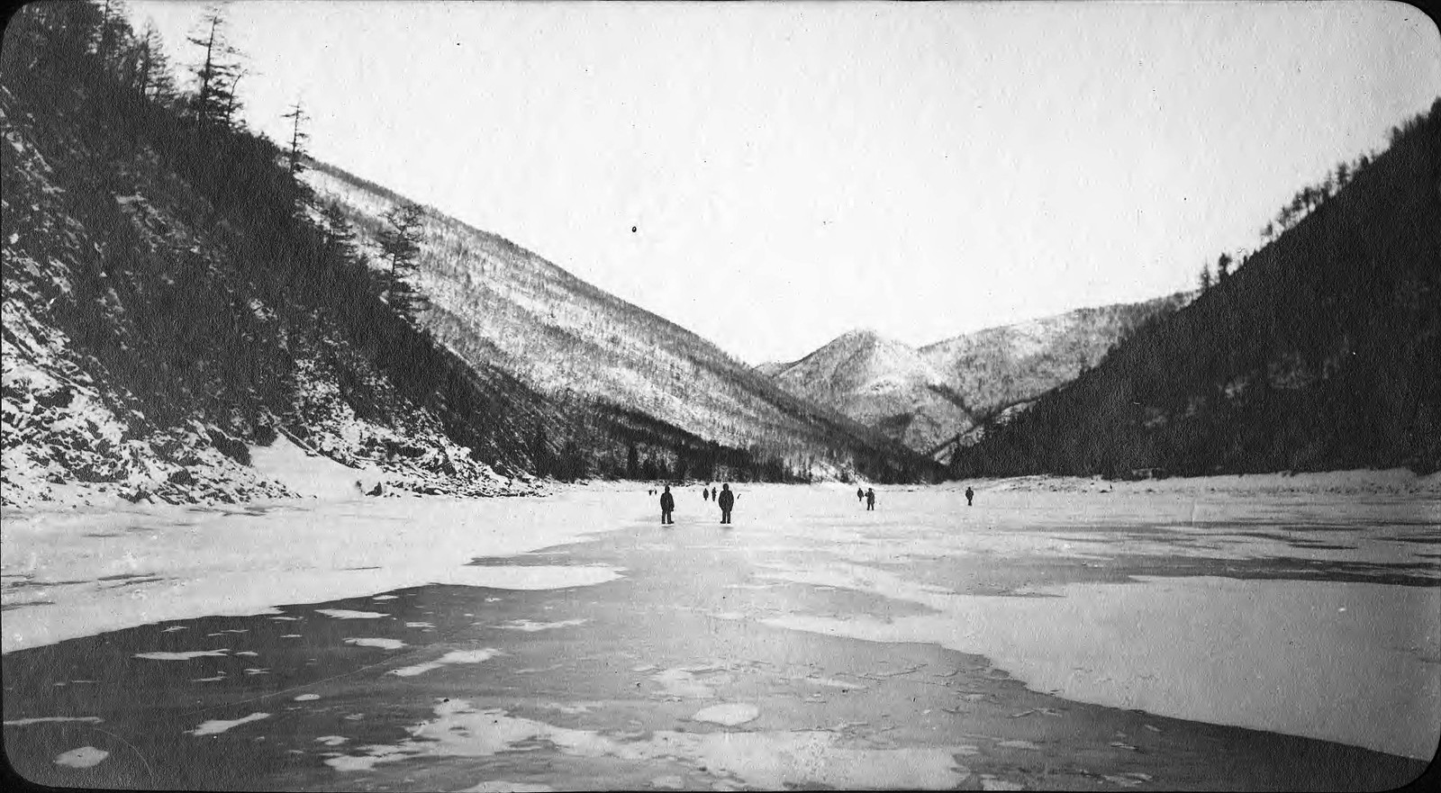 Замерзшее русло реки Зеи близ устья Гилюя