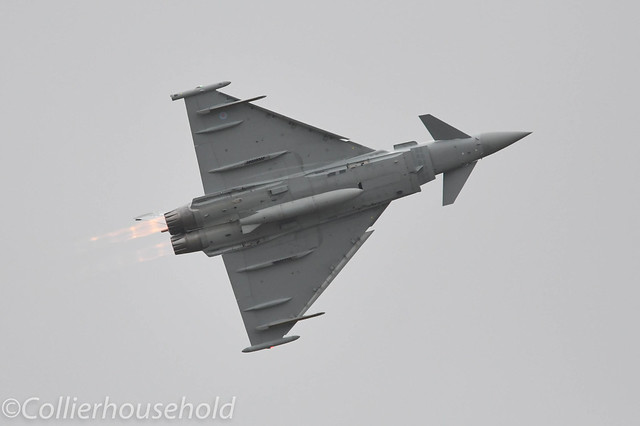 RAF Coningsby - 21 Apr (11) Eurofighter Typhoon FGR4 ZJ942 Display