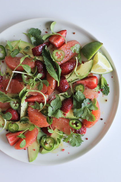 spring avocado and berry salad
