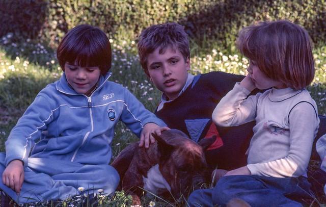 Tre bambini (e un cane)