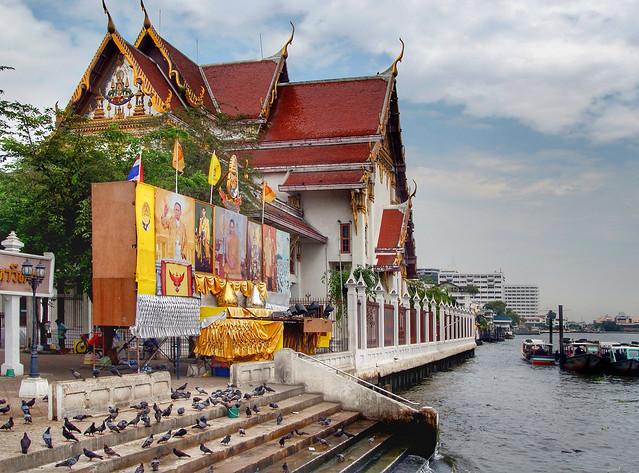 Bell Temple (Wat Rakan). Bangkok