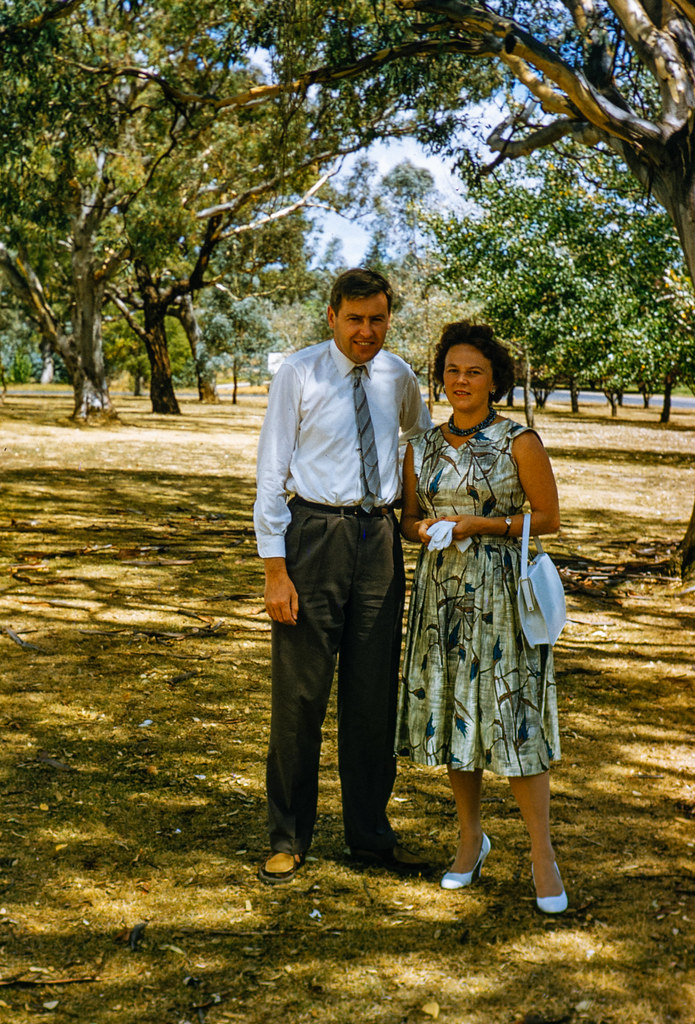 Helen Groger-Wurm y su marido Stephen Wurm © The Australian National University, Canberra, signatura ANUA260-379-041