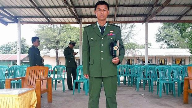 พ.ต.เฮนทออู (Hein Thaw Oo) อดีตนายทหารพม่าสังกัดกองพลทหารราบเบาที่ 99