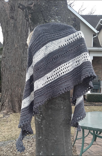 Rita (ritz) also posted to the Sue2Knits Ravelry group her finished Persimmon Branch by Tif Neilan!