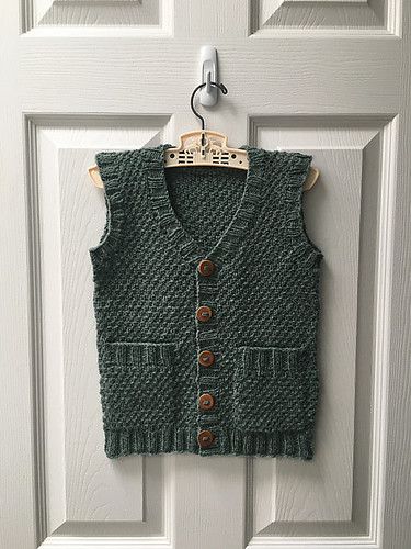 Victoria (mamavictoria) finished her Hobbit Vest (with pocketses) by Lisa Chemery for her son!