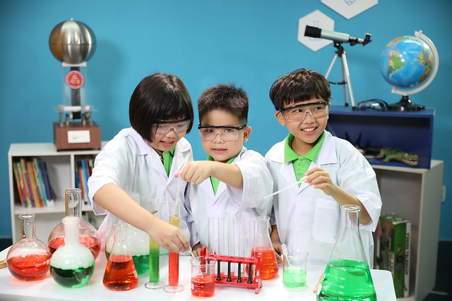 STEAM English Class - Science