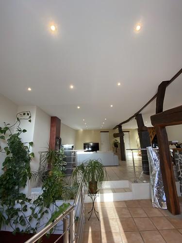 plafond tendu blanc optique