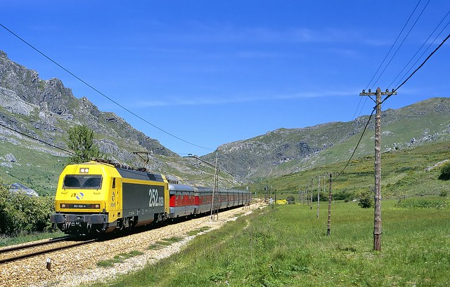 Golpejar, RENFE 252-029-4