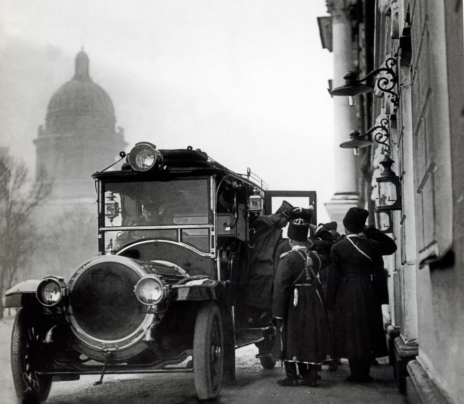 1911. Прибытие Государя Императора Николая II на заседание Правительствующего Сената