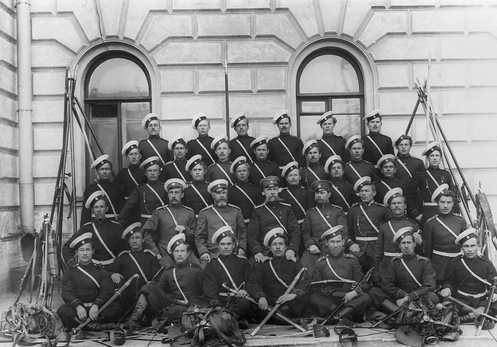 1907. Группа казаков и офицеров лейб-гвардии Сводно-Казачьего полка
