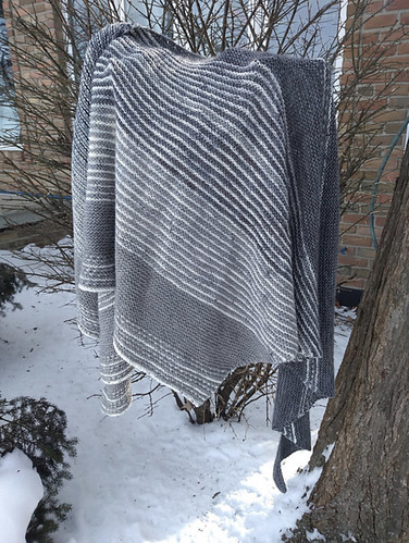 Rita (ritz) just posted her finished Drachenfels by Melanie Berg!