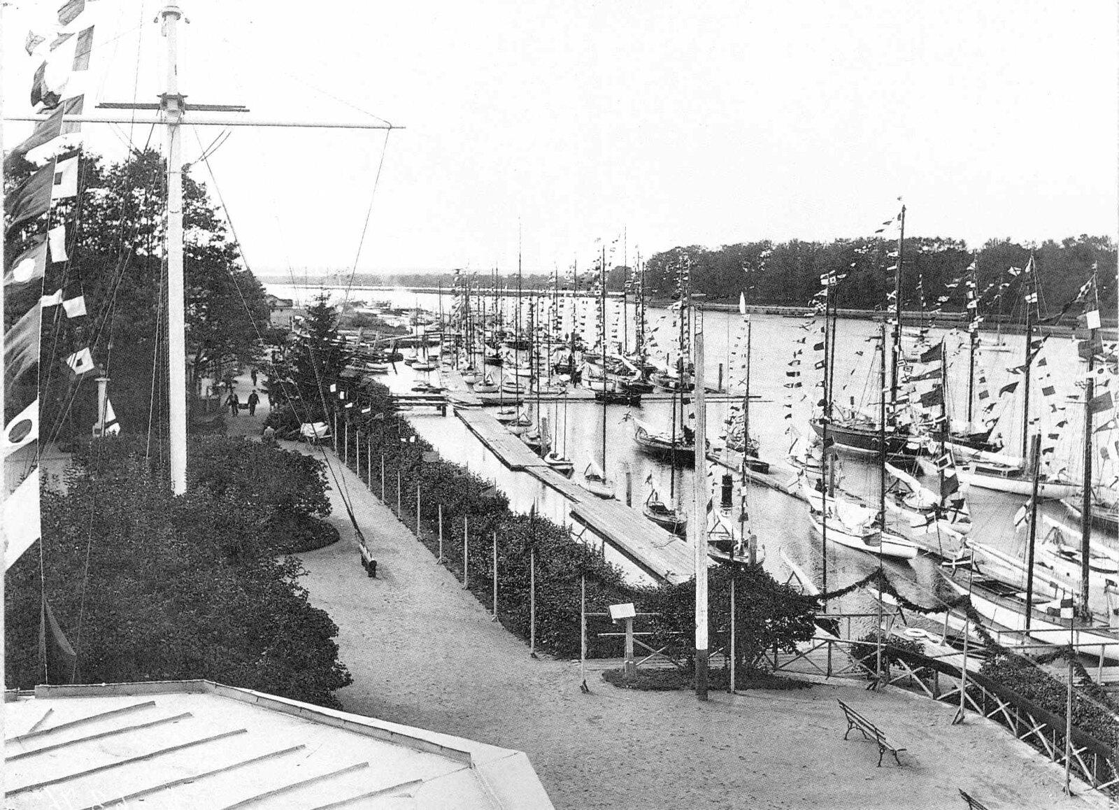 1910. Празднование 50-летия Императорского яхт-клуба. 20 июля (вариант)