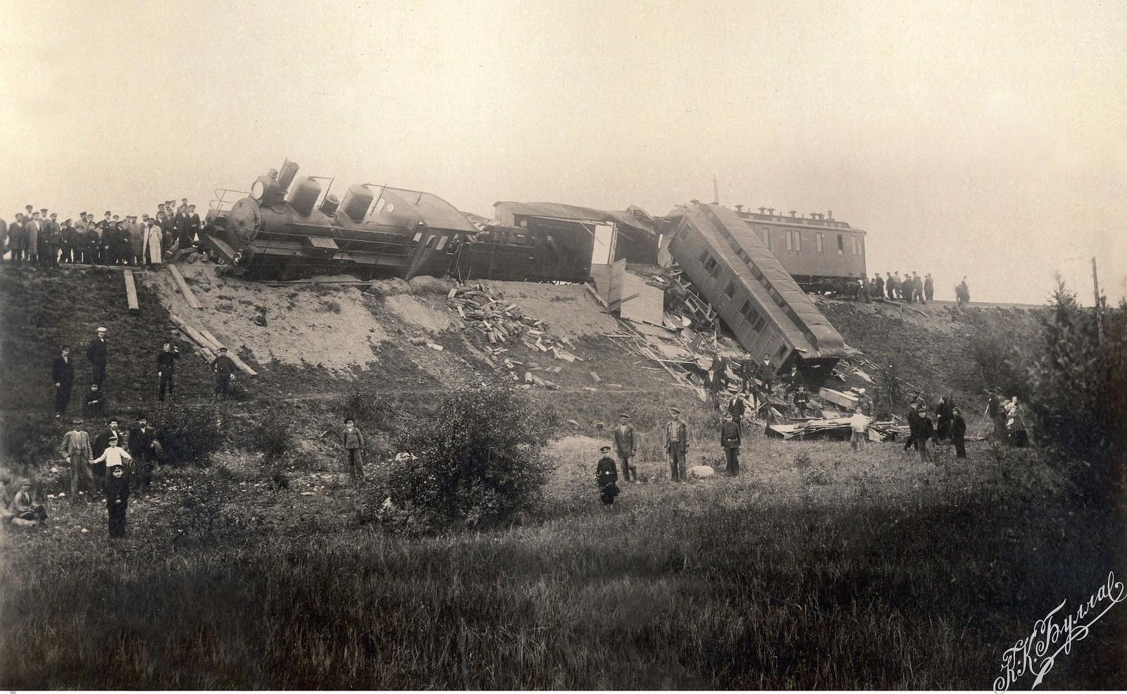 1888. Крушение поезда с императором Александром 3 возле станции Борки. 29 октября