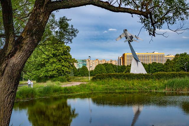 In Aviatorov park