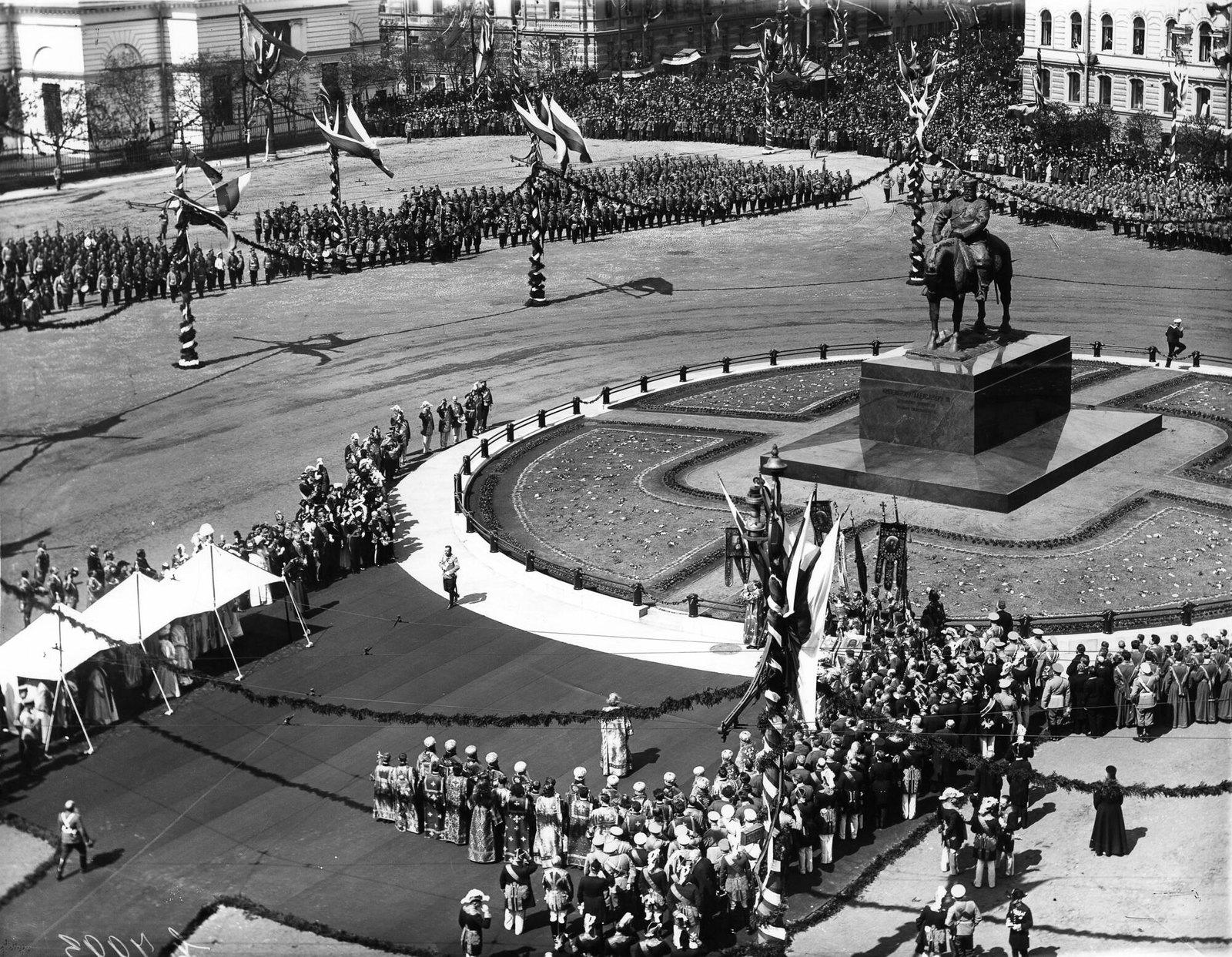 1909. Открытие памятника Александру III на Знаменской площади