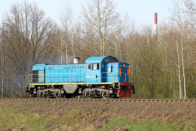 Маневровый тепловоз ТГМ4А-2578 резервом на перегоне Заднепровская/Луполово.