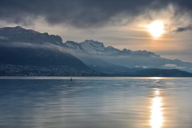 Sunrise sur le lac d'Annecy