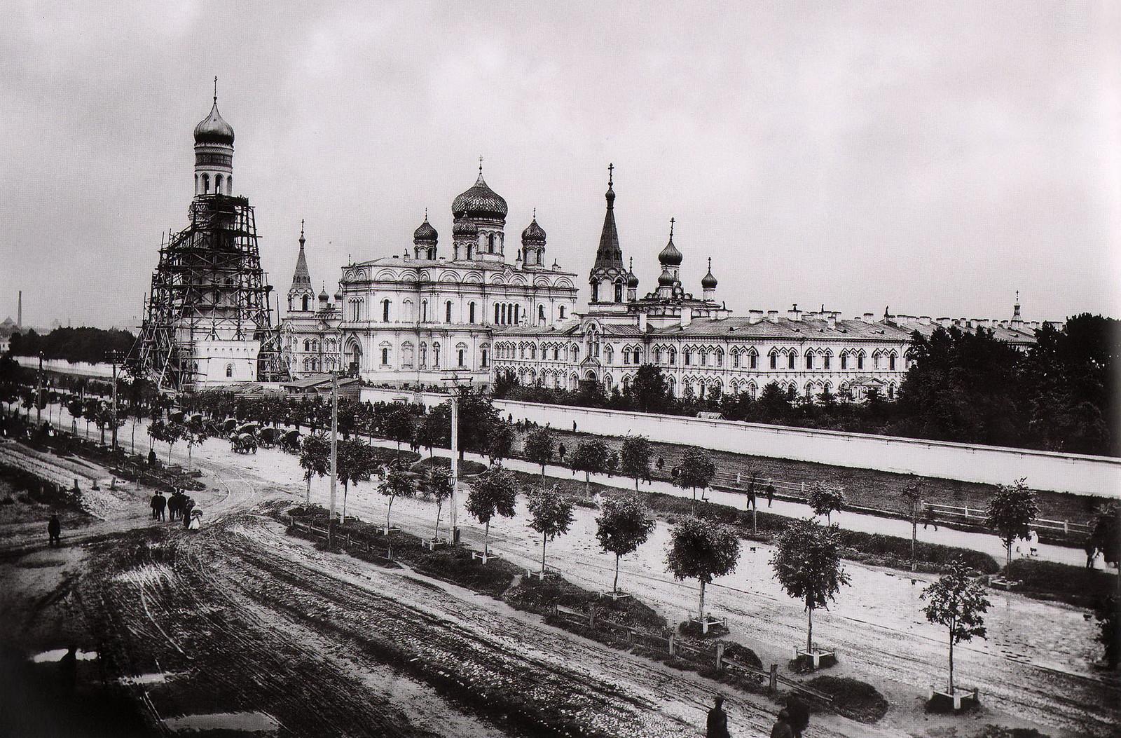 1895. Воскресенский Новодевичий монастырь