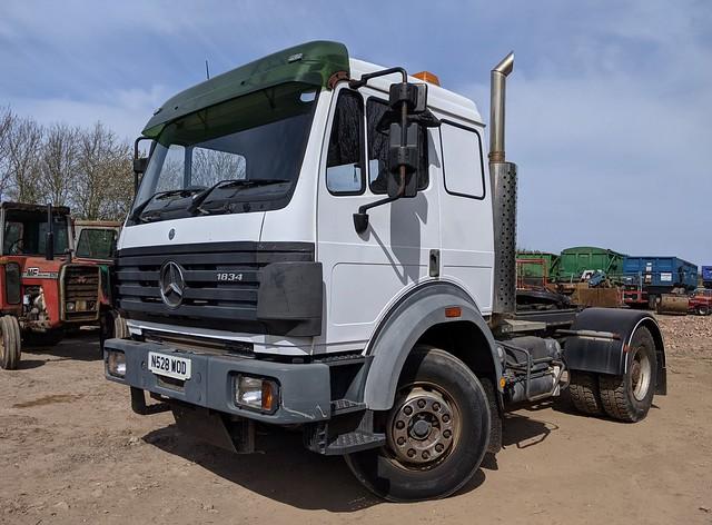 Mercedes 1834 Tractor unit - N528 WOD