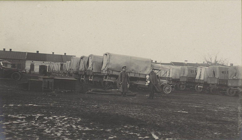 76. Грузовой автомобильный отряд в посёлке Влощова