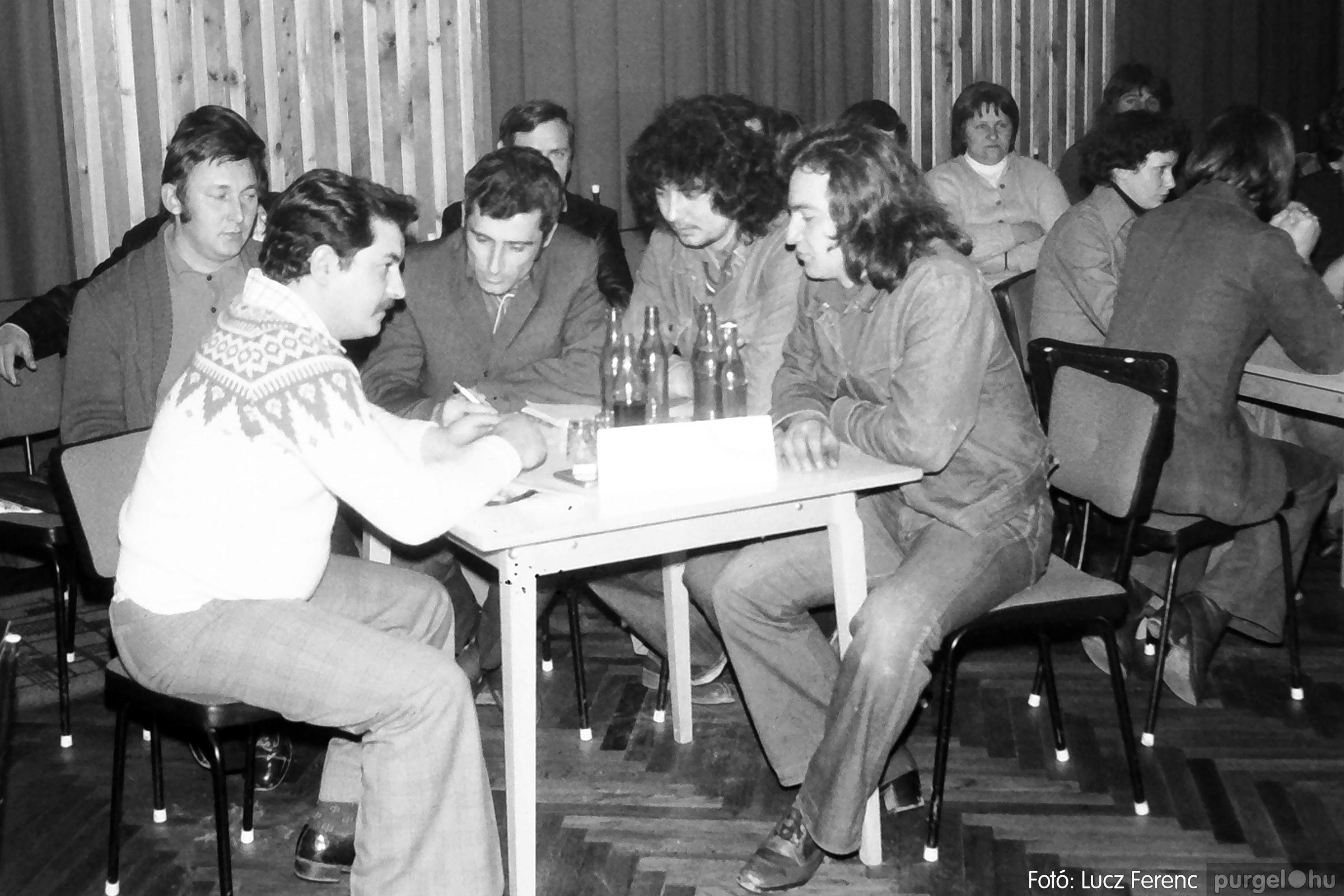 101. 1978. KTSZ-es vetélkedő a kultúrházban 007. - Fotó: Lucz Ferenc.jpg