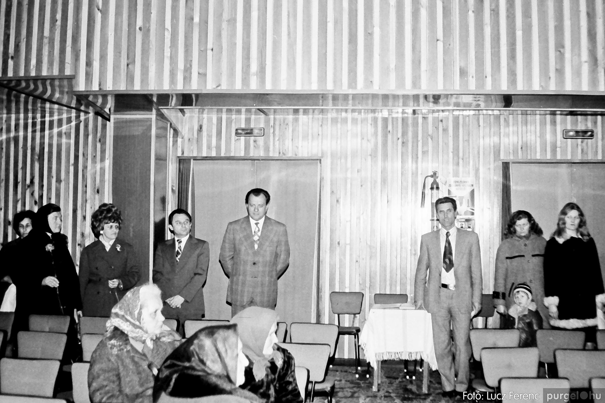 104. 1978. Nőnapi ünnepség a tanácsházban 018. - Fotó: Lucz Ferenc.jpg